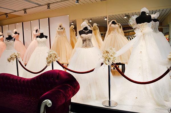 ... >> Topkapi Brautmoden Brautkleider und Abendmoden in Duisburg - NRW